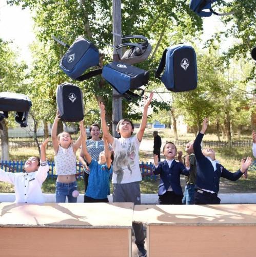 1000 қазақстандық оқушы Елбасы Қорынан 1 қыркүйекке сыйлық алды