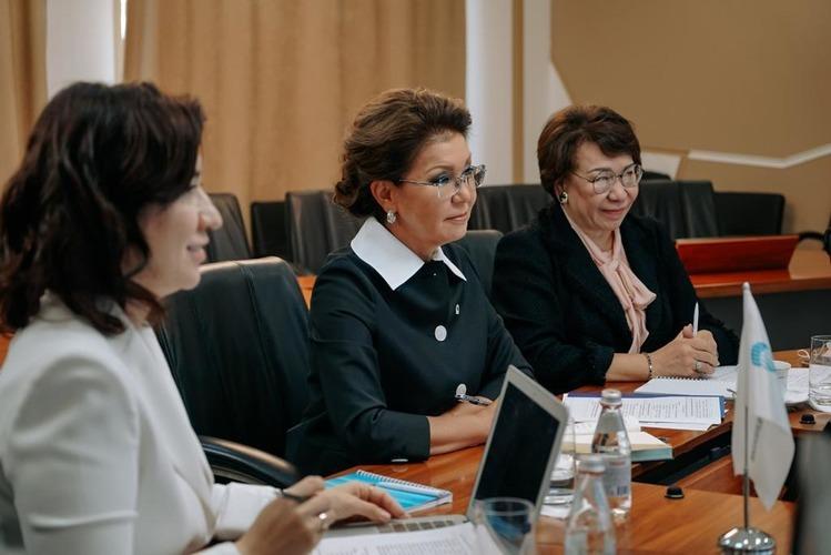 Дариға Назарбаева: әйелдер өздеріне көбірек жауапкершілік  алуға дайын